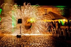 Hochzeitsfeuershow mit Funkenregen